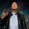 Apple が、 ショートムーヴィー「The Rock × Siri Dominate the Day」をYoutubeで公開